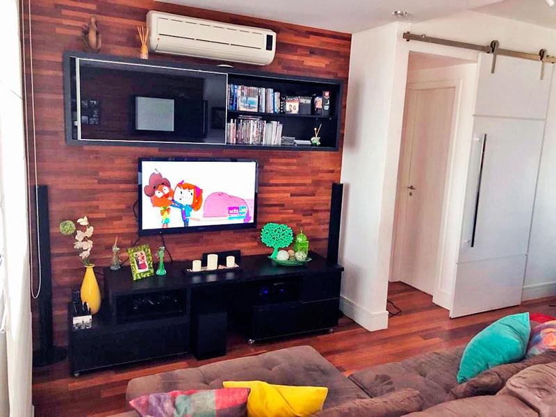Ipiranga, Apartamento Padrão - Sala ampliada (com o 4º quarto) com piso de tacão, teto com sanca, iluminação embutida e acesso a varanda.
