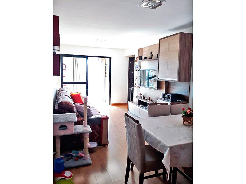 Ipiranga, Apartamento Padrão - Sala com piso laminado e acesso varanda.