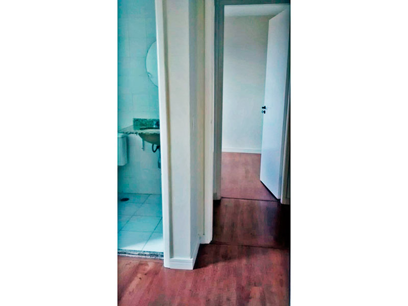 Jabaquara, Apartamento Padrão - Suíte com piso laminado.