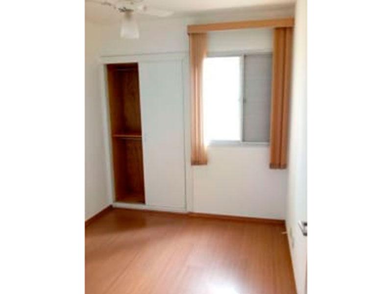 Jabaquara, Apartamento Padrão-1º Quarto com piso laminado e armários embutidos.