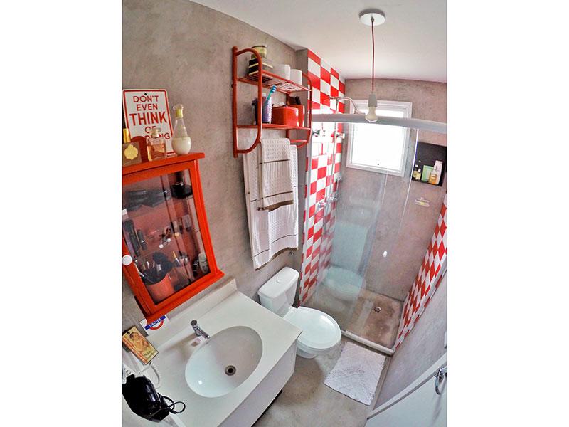 Ipiranga, Apartamento Padrão-2º Banheiro da 1ª suíte (banheiro da 3ª suíte) com piso de cerâmica, gabinete, pia de granito e box de vidro.
