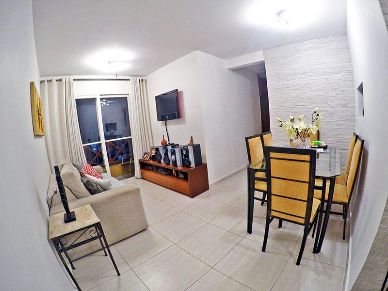 Sacomã, Apartamento Padrão - Sala em L com piso de cerâmica e acesso a varanda.