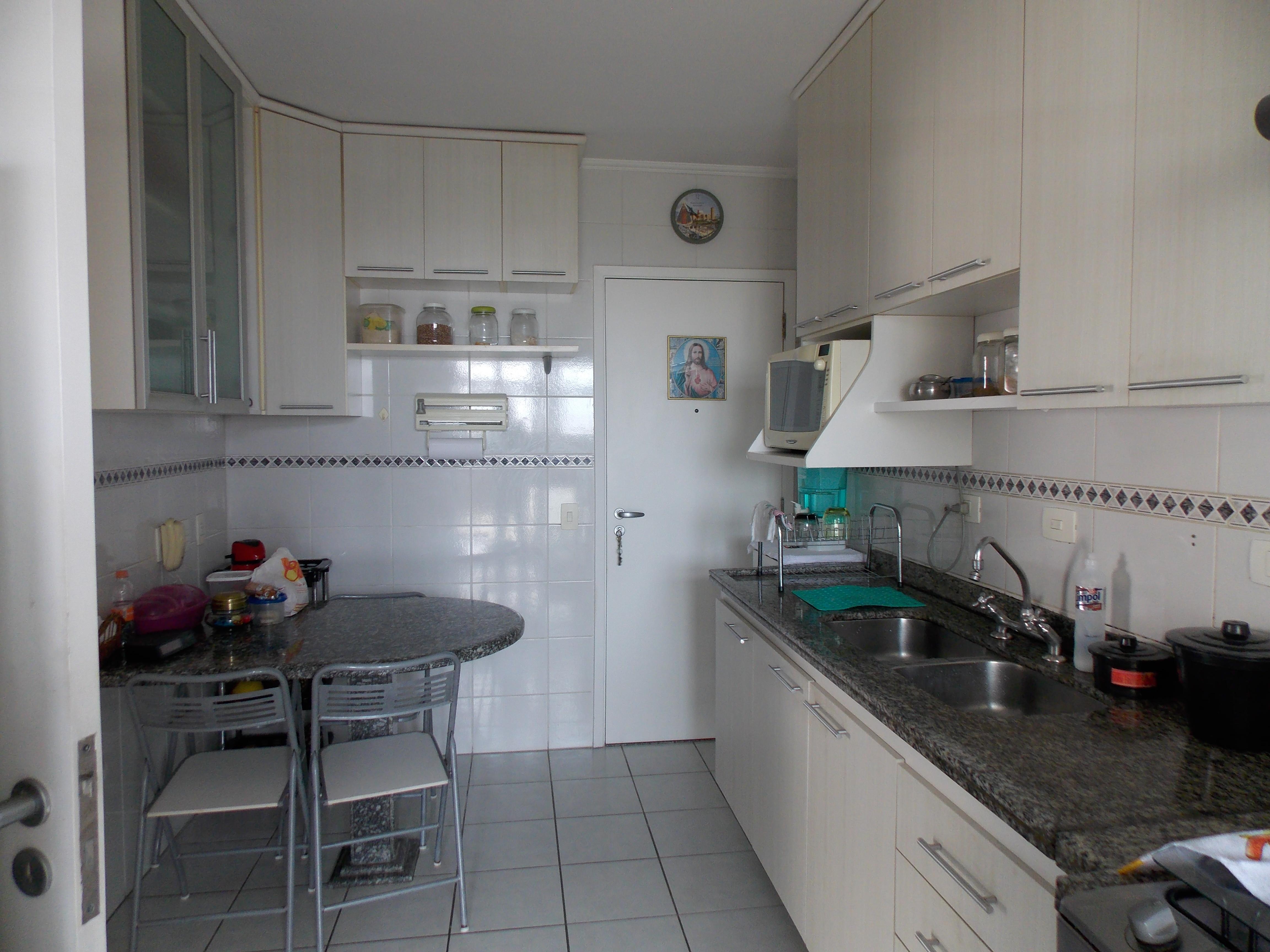 Jabaquara, Apartamento Padrão-Cozinha planejada com armários, gabinete, pia de granito e piso de cerâmica