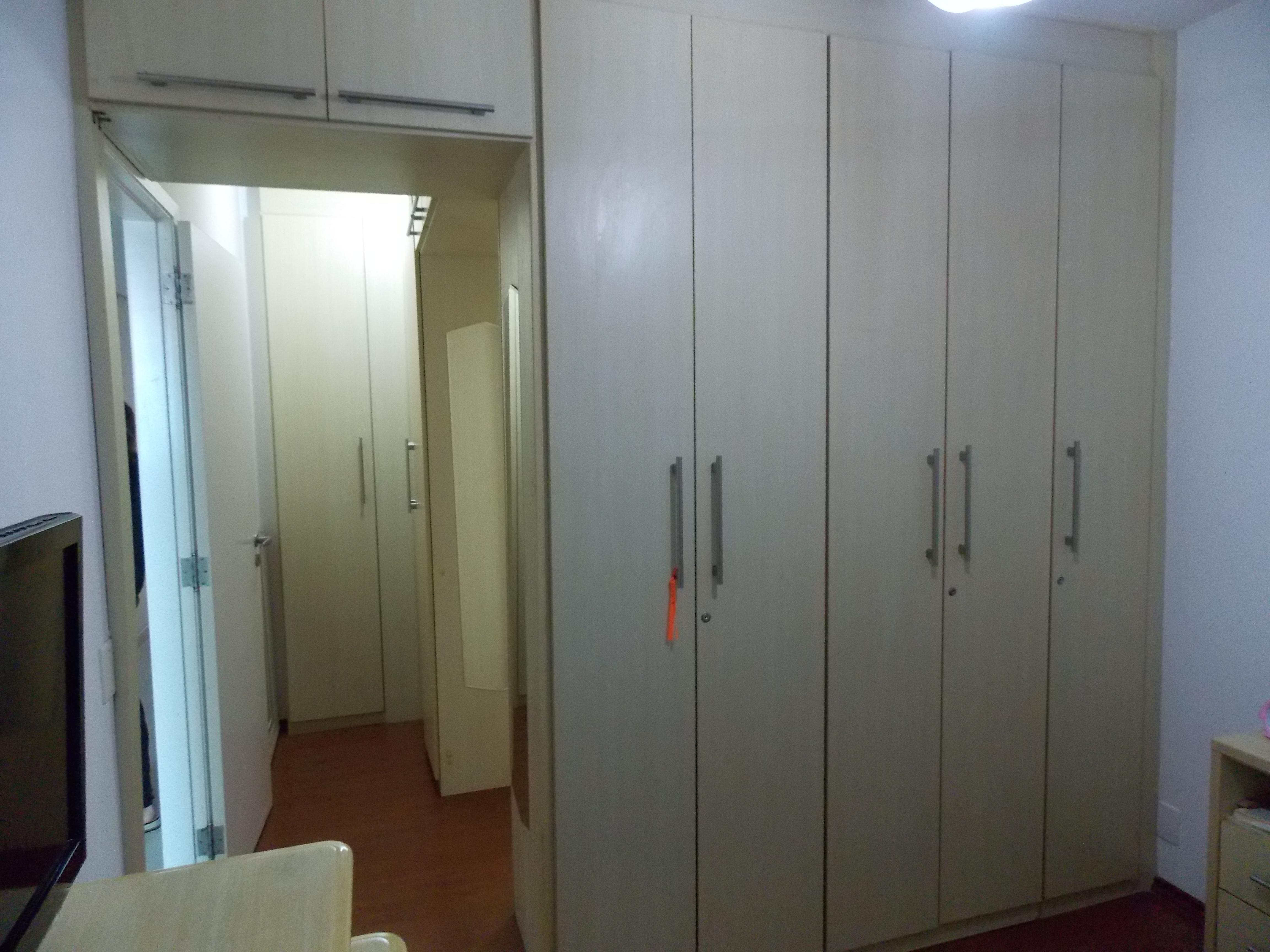 Jabaquara, Apartamento Padrão-Suíte com armários planejados e piso de laminado
