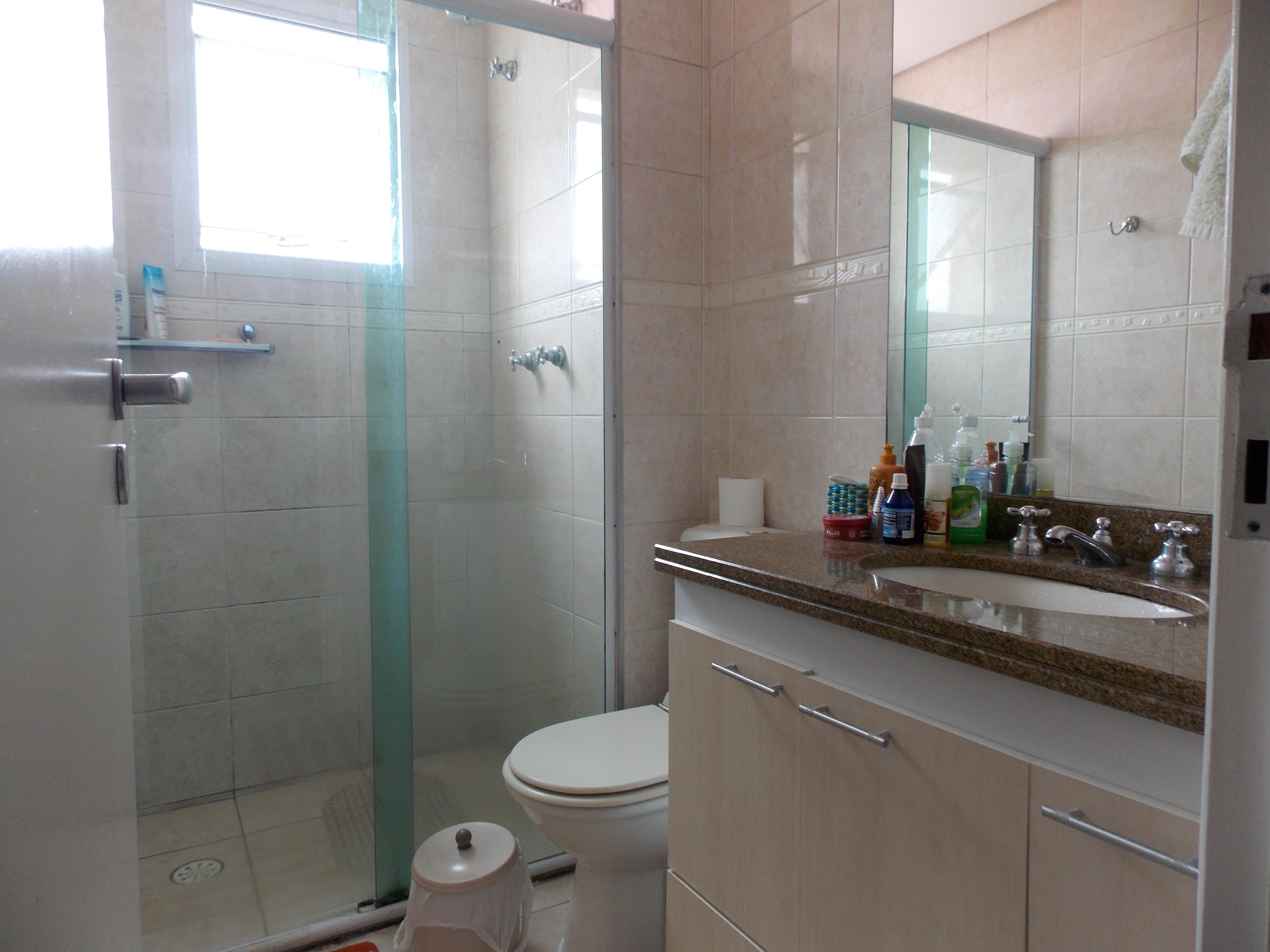 Jabaquara, Apartamento Padrão-Wc social com piso de cerâmica, pia de granito e box de vidro