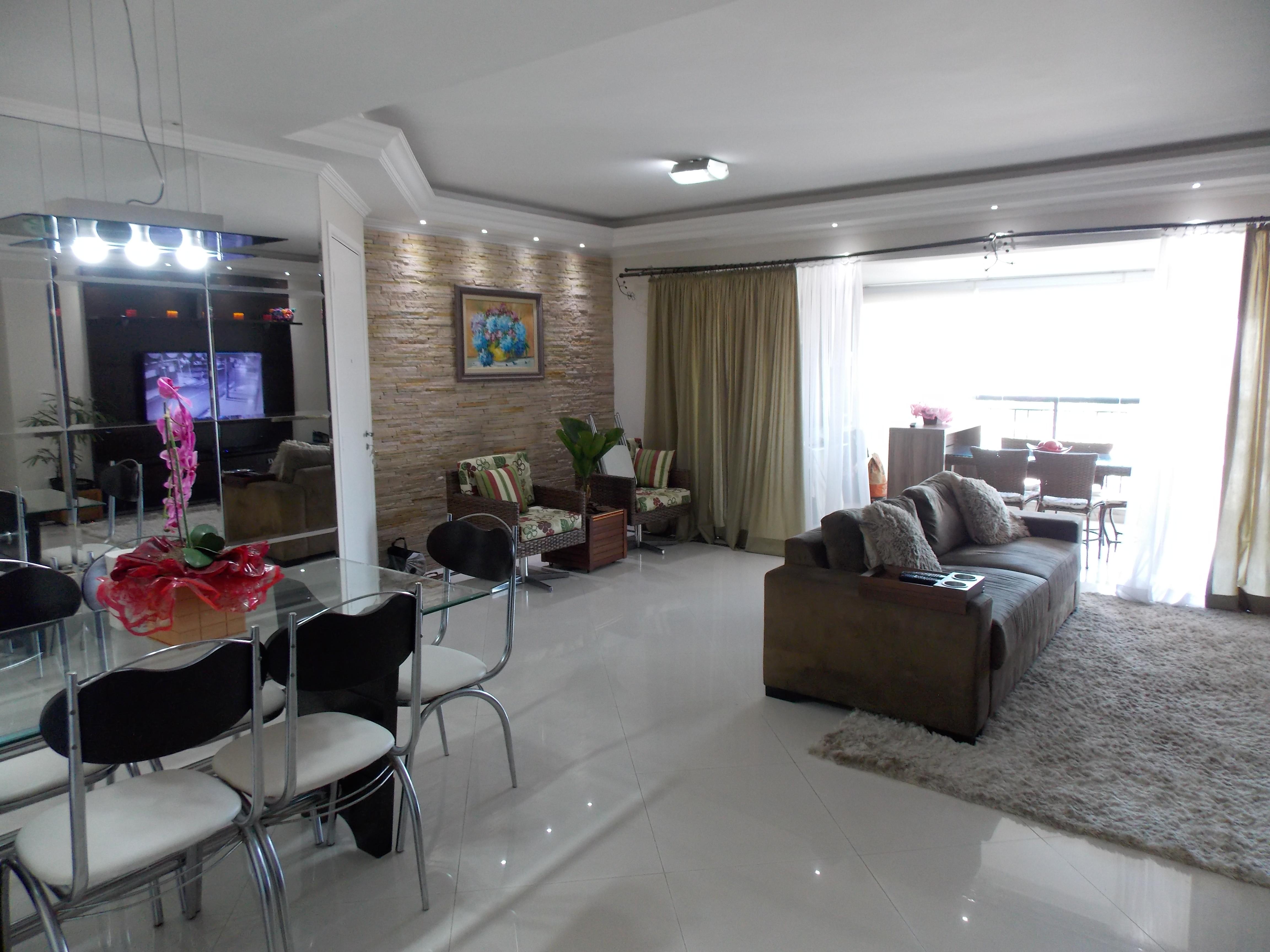 Jabaquara, Apartamento Padrão-Sala ampliada com piso de porcelanato, sanca de gesso com iluminação direta