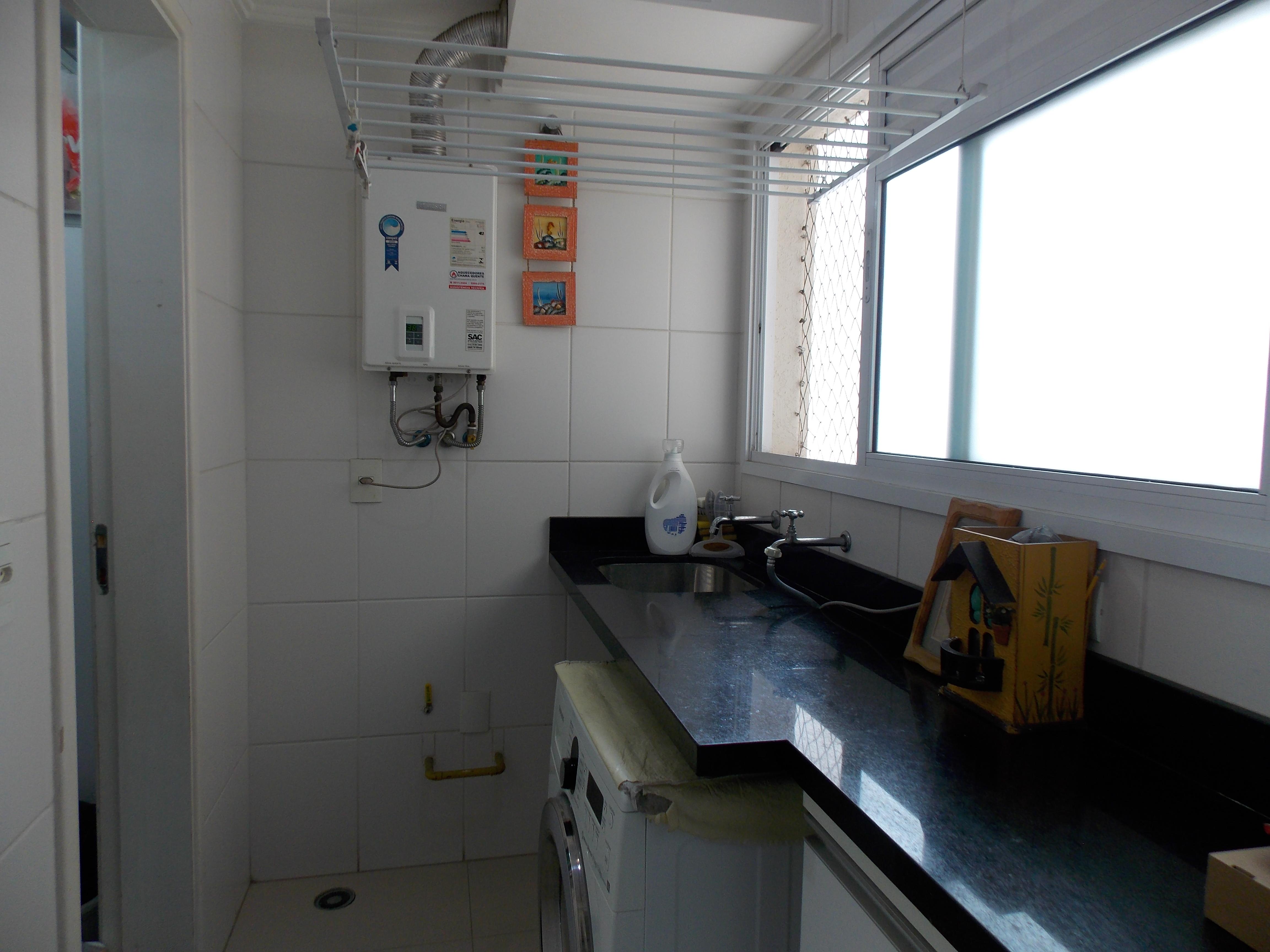 Jabaquara, Apartamento Padrão-Área de serviço com armários, piso de porcelanato e aquecedor