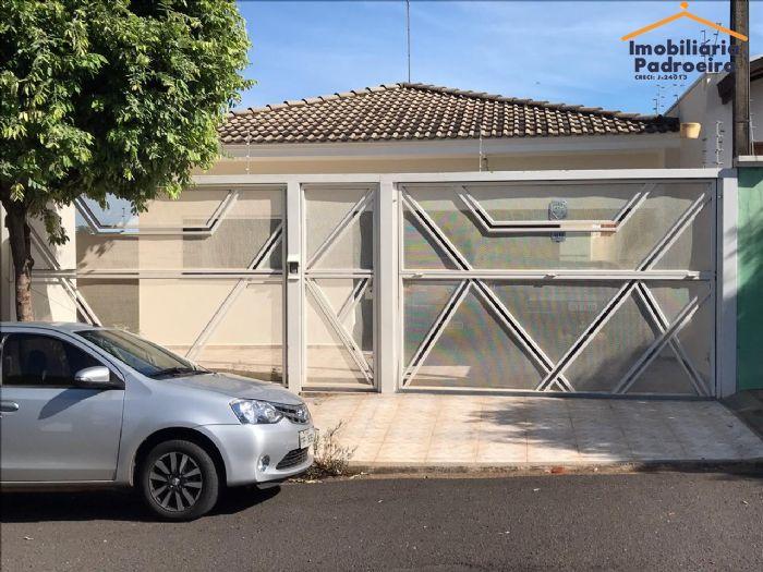 Casa à venda, Jardim dos Pinheiros,