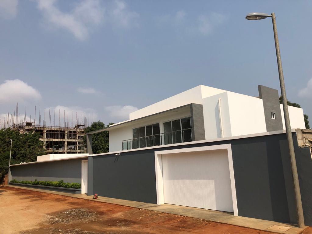 Casa à venda, Benfica, Luanda